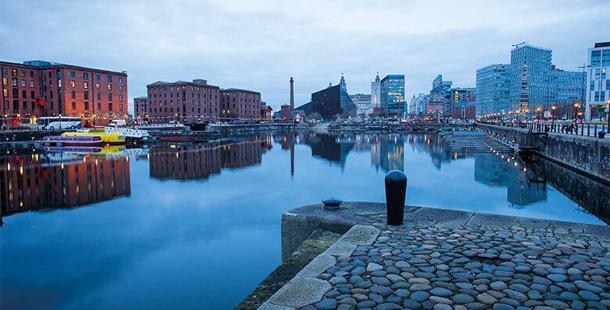 Liverpool'da dil eğitimi ve dil okulu fiyatları